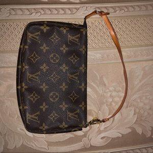 Louis Vuitton purse/wristlet